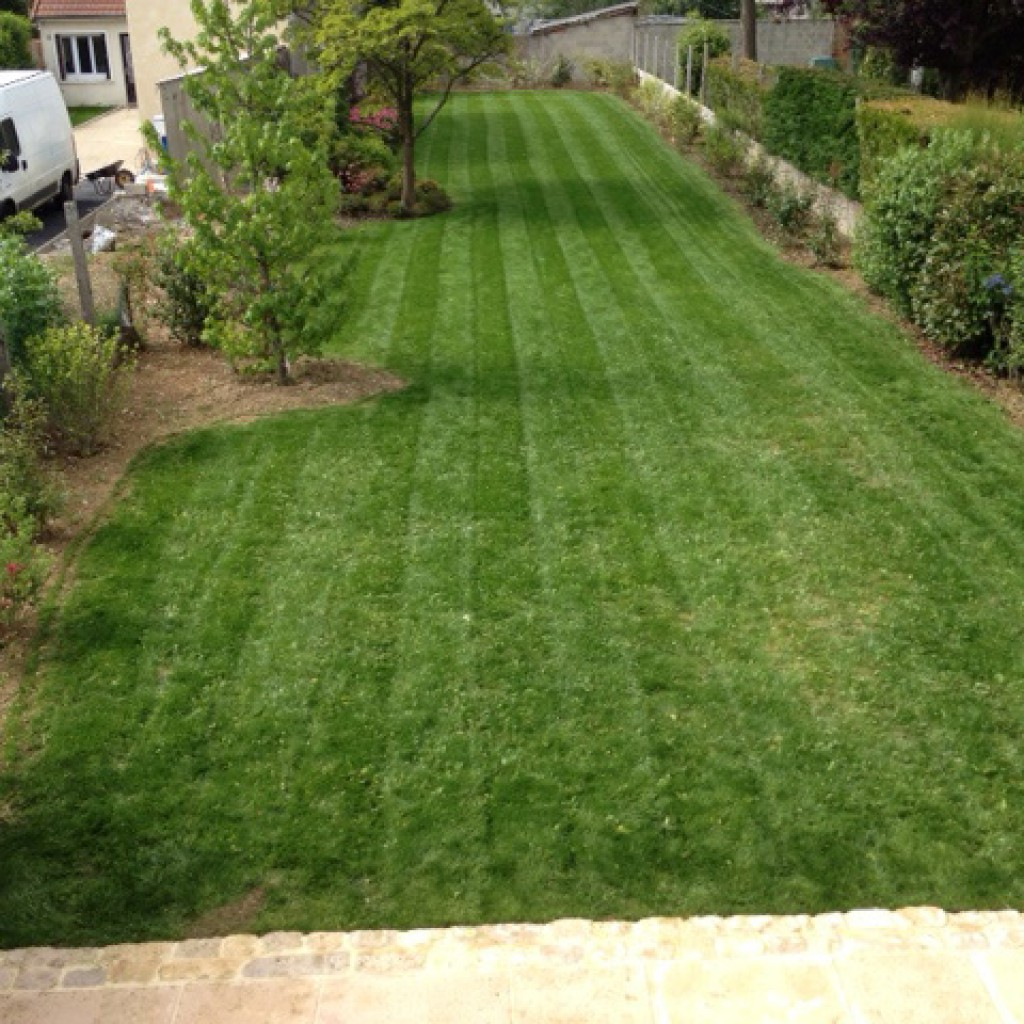 cr ation pelouses paysagiste jardinier yvelines 78. Black Bedroom Furniture Sets. Home Design Ideas